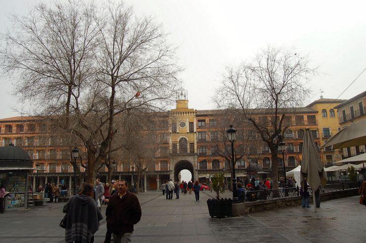 Toledo_-_Placa_de_Zocodover_-_panoramio